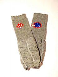 lábszármelegítő- szürke gombás-sünis fodros